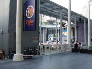 バンコクの屋外ビアガーデン