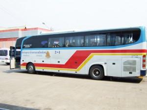 タイとラオスを結ぶ長距離国際バス