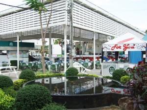 タイの野外ステージ