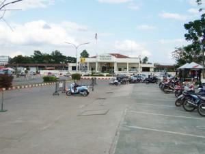 タイ ウドンタニ駅前の風景