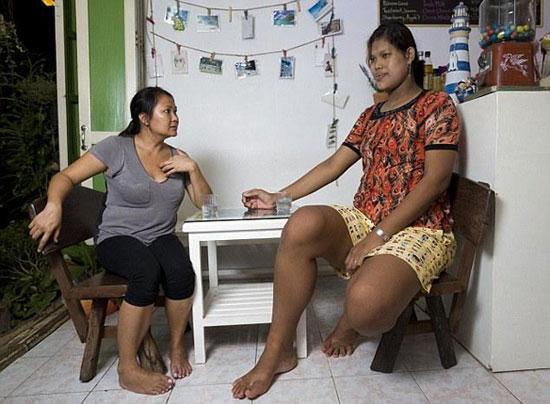 thai-tallest-woman-1