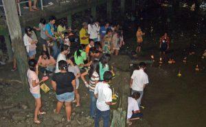 タイの祭り ロイグラトン 灯籠流し
