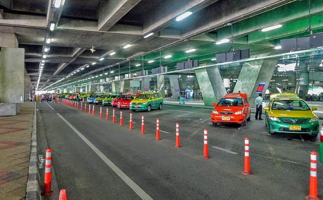 スワンナプーム空港のタクシー乗り場