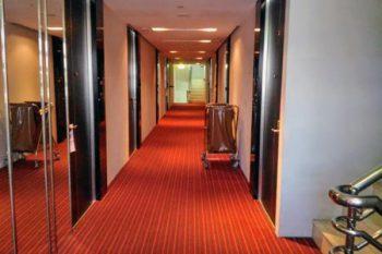 「トリニティ シーロム ホテル」通路