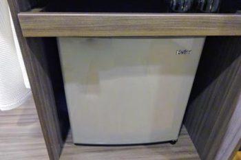 「トリニティ シーロム ホテル」冷蔵庫
