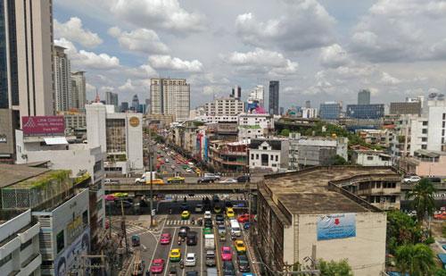 ラチャプラロップ駅から見たランナム方面の風景