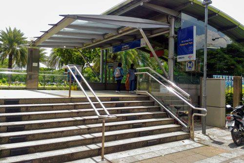 バンコクMRT地下鉄駅入口