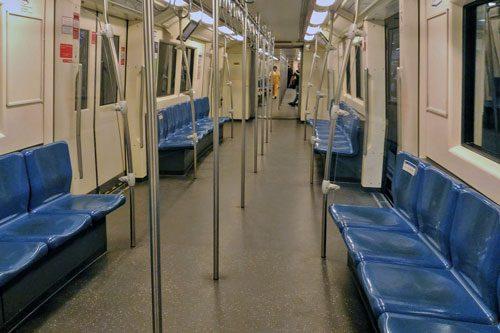 バンコクMRT地下鉄車内
